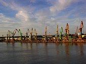 Installation portuaire Claipeda Lituanie ; Estuaire sur la Mer Baltique
