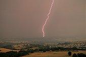 Eclair d'un orage d'été en Auvergne France ; Brassac les Mines