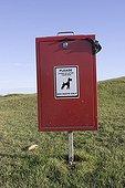 Poubelle pour déjections canines Royaume-Uni ; Localité : Cleeve Hill Cheltenham