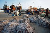 Filets de pêche entreposés dans le port d'Essaouira Maroc