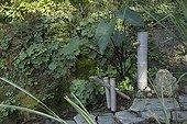 Garden fountain at Jardin du fond de l'or