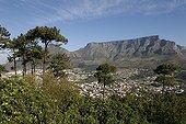 Montagne de la Table au-dessus de la ville du Cap