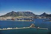 Vue aérienne du port de Table Bay et du Pic du Diable