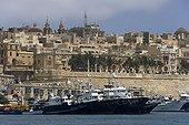 Thonniers à l'ancre dans le port de La Valette Malte