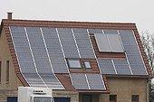 Panneaux photovoltaïques sur une maison de particulier