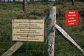 Information panels on the protection of an heath France ; Location: Erquy Cape.