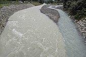Confluence des eaux de fonte de glaciers