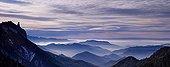 La dent de Die et les crêtes du Vercors France ; panoramique composé de deux images horizontales