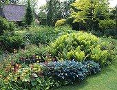 Garden through the seasons Spring Le Clos du Coudray