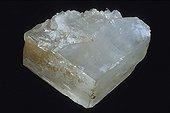 Magnésite originaire des mines de Pedro Preta Brésil ; Longueur : 10 cm. Collection École des mines