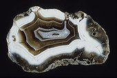 Agate originated from Uruguay ; Length : 13 cm. Silicates class, subclass tectosilicates. Collection School of Mines