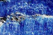 Chalcantite originaire de l'Arizona USA ; Longueur : 3,5 cm. Sous-classe des Sulfates hydratés. Collection École des mines