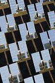 Panneaux solaires dans le Désert de Tabernas Andalousie ; aussi appelés héliostats, production d'énergie d'une des plus grands centrale solaire d'Europe