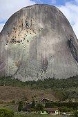 Affleurement de Gneiss de Pedra Azul Espirito Santo Brésil