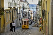 Portugal ; Elevador da Bica funicular. Bica, Lissabon, Portugal, Europe