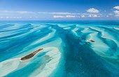 Vue aérienne du lagon de lîle de Eleuthera au Bahamas