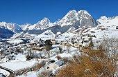Circus Lescun winter - Aspe Valley Pyrenees France