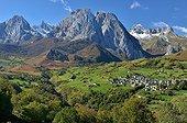Circus Lescun autumn - Aspe Valley Pyrenees France