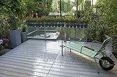 Terrace on an urban garden ; Landscaper: Pierre-Alexandre RISSER<br><br>