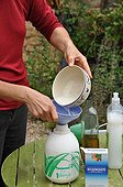 Mixing of a bicarbonate based insecticide in a garden