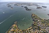 Arzon peninsula and Gulf of Morbihan - Brittany France  ; middle : Long Island. Back: Ile aux Moines