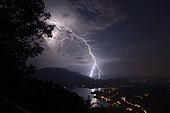 Thunderbolt extracloud near Lake Aiguebelette - France