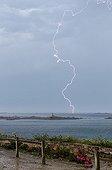 Orage au dessus de la Manche en été - Pointe Bretonne France