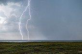 Orage et éclairs au dessus de l'Atlantique en été - France