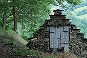 Old barn in the woods in the Couserans - Pyrénées France
