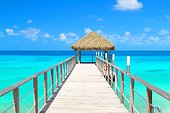 Fare door end platform with access to the lagoon - Rangiroa