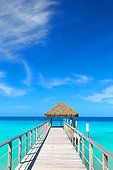 Fare dooor end platform with access to the lagoon - Rangiroa