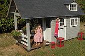 Reclaimed wood garden hut - pallet, Aelwen's small garden house