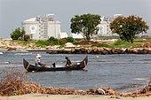 Fishing in Kerala. Fishers near the industrial port in Cochin