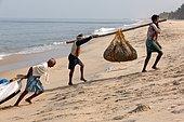 Fishing in Kerala. Subsistence fishing in Marari