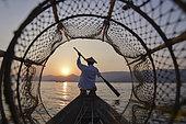 Pêcheurs du lac Inlé en Birmanie