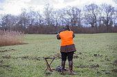 Hunter wiating, Wild boar hunting, Plaine du Rhin, Alsace, France
