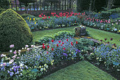 Jardins de Chenies Manor, Création de la jardinière Elizabeth McLeod Matthews, Rickmansworth, Buckinghamshire, Angleterre