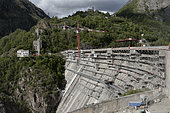 Work on reinforcement of the Chambon dam, in 2014. The reinforcement works allow to treat 3 problems observed on the dam, caused mainly by the phenomenon of alkali-reaction. Alps, France