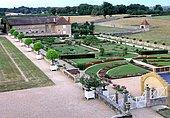 French formal gardens - Jardins du Château de Digoine, Palinges