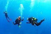 Divers performing his decompression stop, Antheors Péniches dive site, Côte d'Azur, France