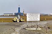 Dalton Highway : from Fairbanks to Prudhoe Bay, Trans Alaska Pipeline System (TAPS). At Deadhorse, departure of the pipeline near the Prudhoe Bay oil fields, Alaska, USA