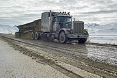 Dalton Highway : from Fairbanks to Prudhoe Bay, his trucks, the only supply of Deadhorse in all seasons and in all weather! Alaska, USA
