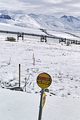Dalton Highway : from Fairbanks to Prudhoe Bay, Trans Alaska Pipeline System (TAPS), In autumn in its flight north of the Brooks Range and from Atigun Pass to North slope, Alaska, USA