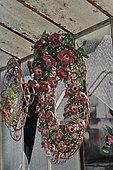 Funérailles écologiques, Couronnes de perles de verre, France