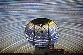 Startrail of about 500 shots in front of the Swedish antenna at La Silla ESO Observatory, Atacama, Chile