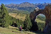 Arch of Sarronal, View of the Tena Valley, Huesca, Pyrenees, Aragon, Spain