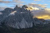 The Cadini di Misurina at dawn, Dolomites Massif, Tre Cime Natural Park, Dolomites Massif, Tyrol, Italy