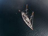 Tara Pacific expedition - november 2017 Tara, Solomon sea, Papua New Guinea, aerial view H68,4. mandatory credit line: Photo: Christoph Gerigk, drone pilot: Guillaume Bourdin - Tara Expeditions Foundation