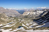 The upper narrow valley, on the left the white lake (2614m) and the Chardonnet lake (2599m) since the Col des Muandes (2828m) on the GR 57, Névache, Hautes-Alpes, France