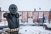 Buste de Paul Emile Victor sur la base antarctique Dumont d'Urville en Terre Adélie, Antarctique